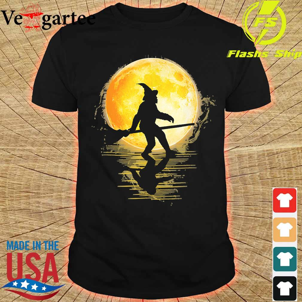 Witch Bigfoot Haloween moon shirt